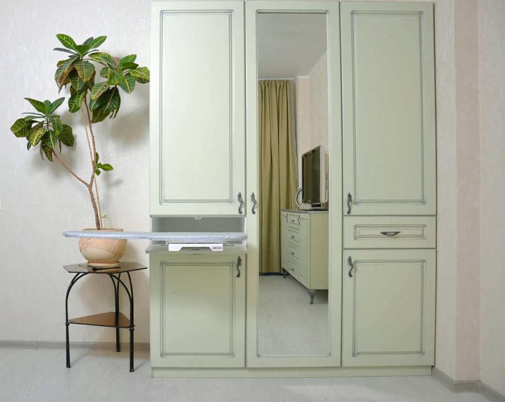 Распашной шкаф для одежды и белья заказать в Астрахани