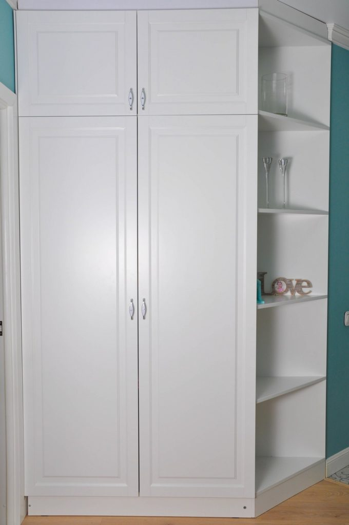 Белый угловой шкаф в прихожую заказать в Астрахани