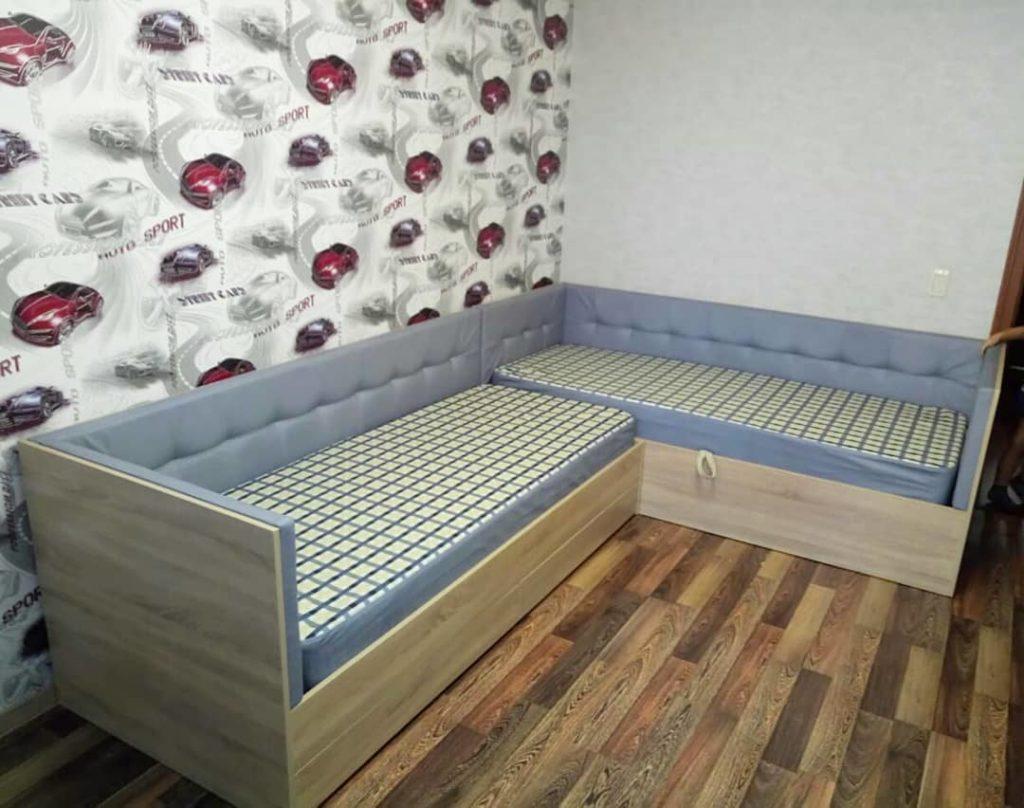 выдвижная детская кровать для двоих